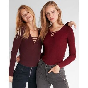 Express Metallic Bar Front Fitted V-Neck Pullover